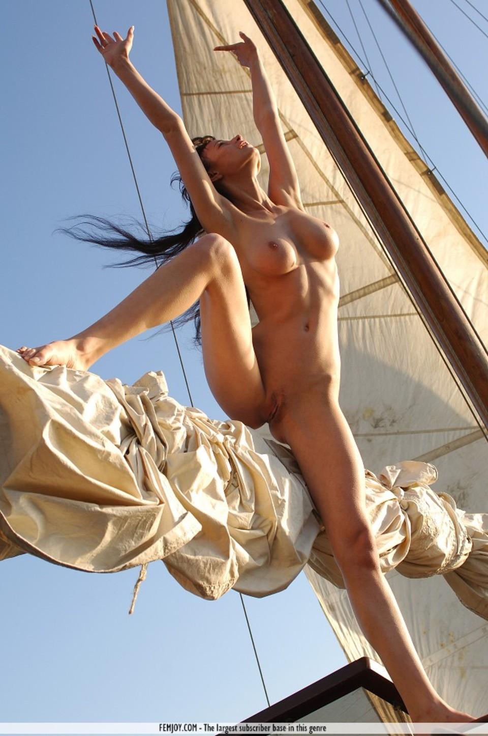 Эротика пираты карибского моря онлайн 18 фотография