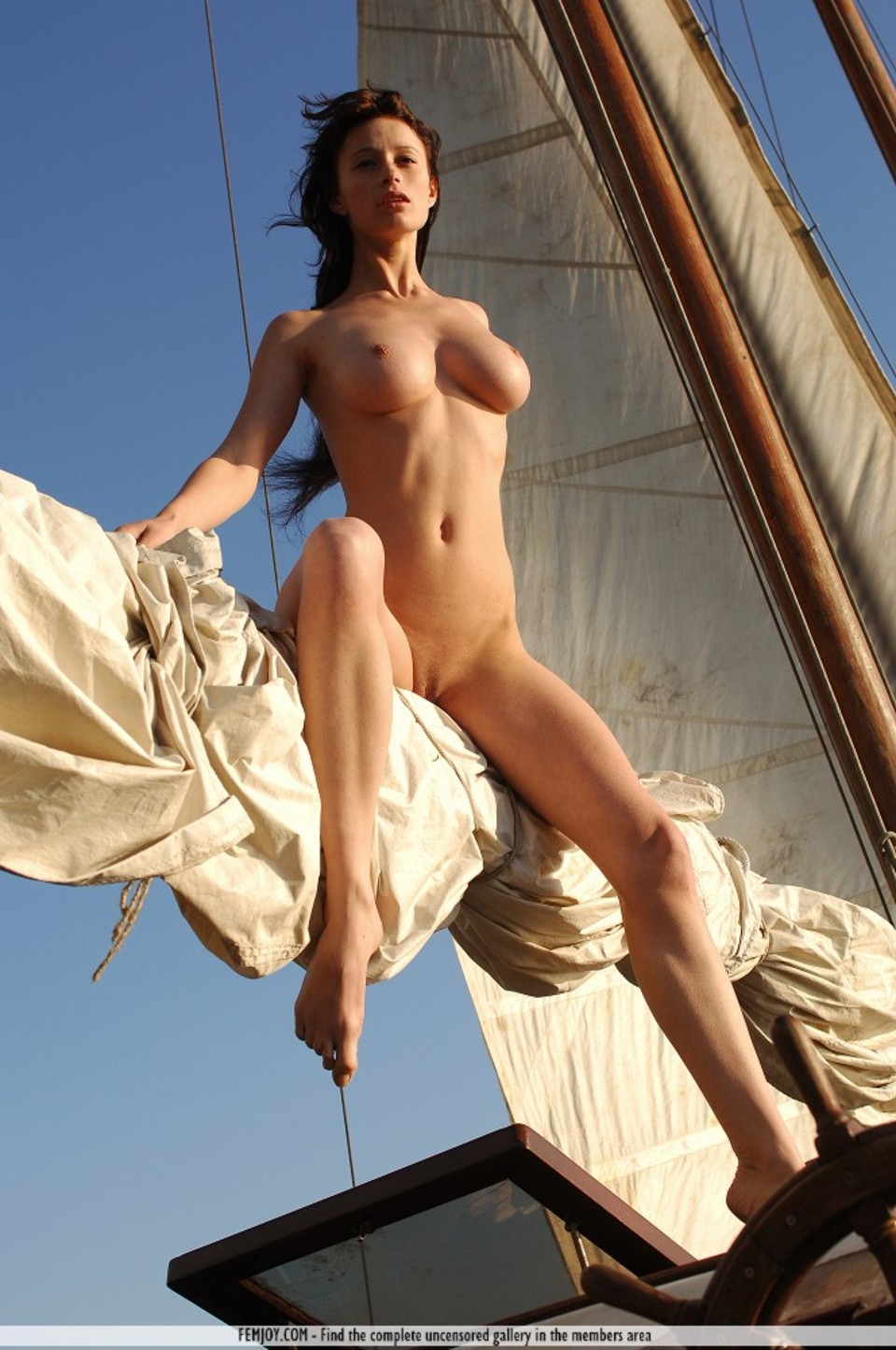 Nude pirate wench hentia image