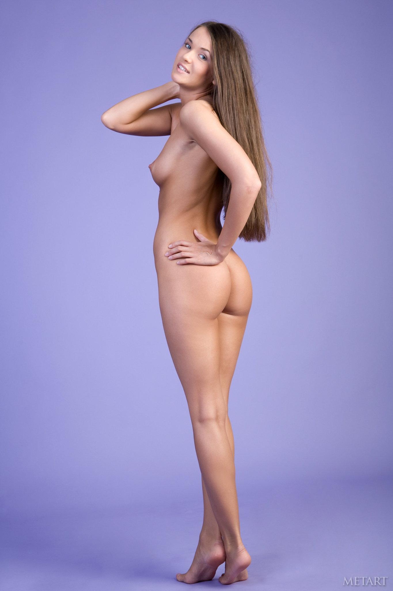 Девки стоят раком в полный рост фото фото 493-7