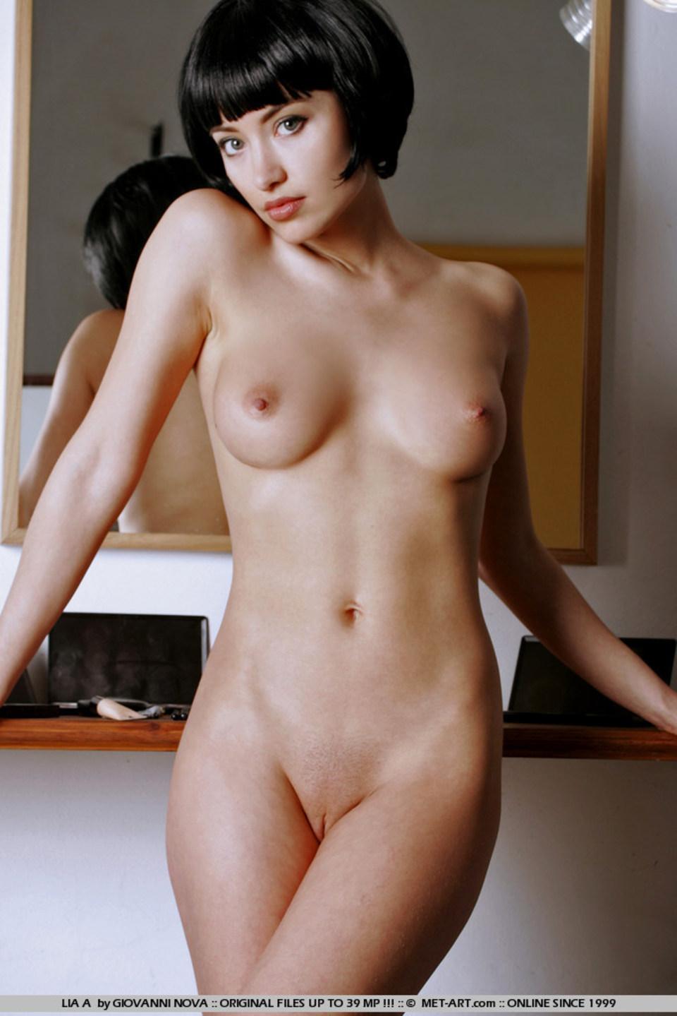 erotika-anal-zrelie-i-molodie