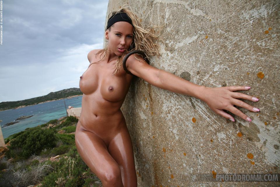 широкоформатные фотографии голых женщин
