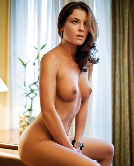 Lara Antonovic Nude From Playboy